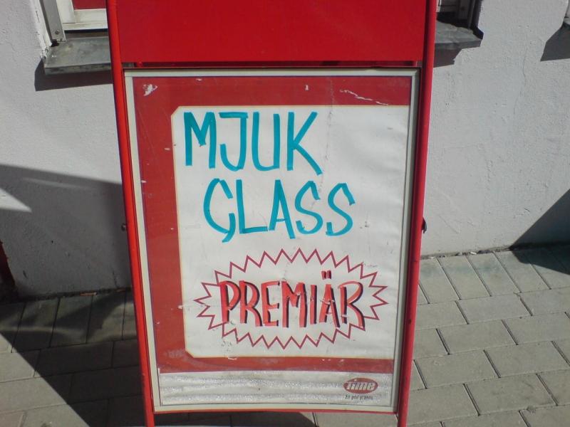 Mjuk glass